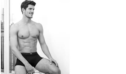Venez découvrir tous les sous-vêtements noirs et blancs pour homme