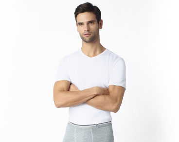Découvrez tous les t-shirts et débardeurs pour homme sur dim.Fr