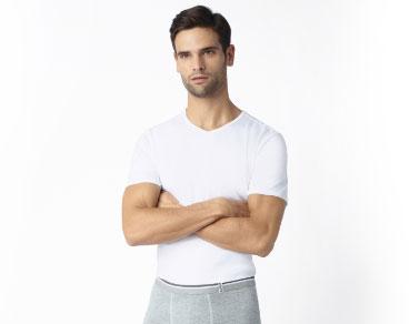 Laissez vous aussi tenter par des t-shirts et débardeurs DIM pour homme